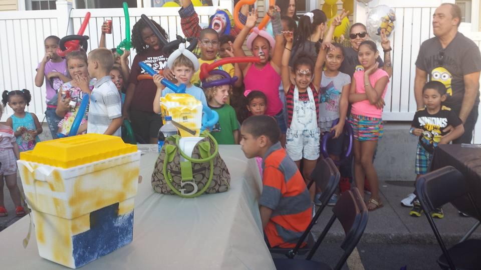 Payaso Pikorete Celebrando cumpleaños