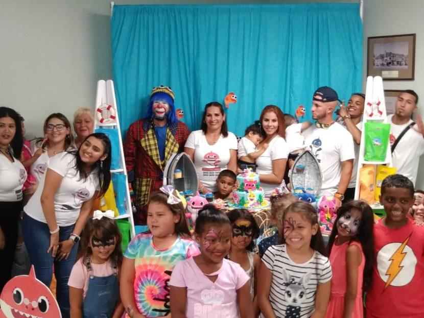 Pikorete-y-Pompita-celebrando-cumpleaños-de-Wes-y-emma-Payaso-en-Saint-Cloud-Florida-Cerca-de-Orlando-y-Kissimmee-2