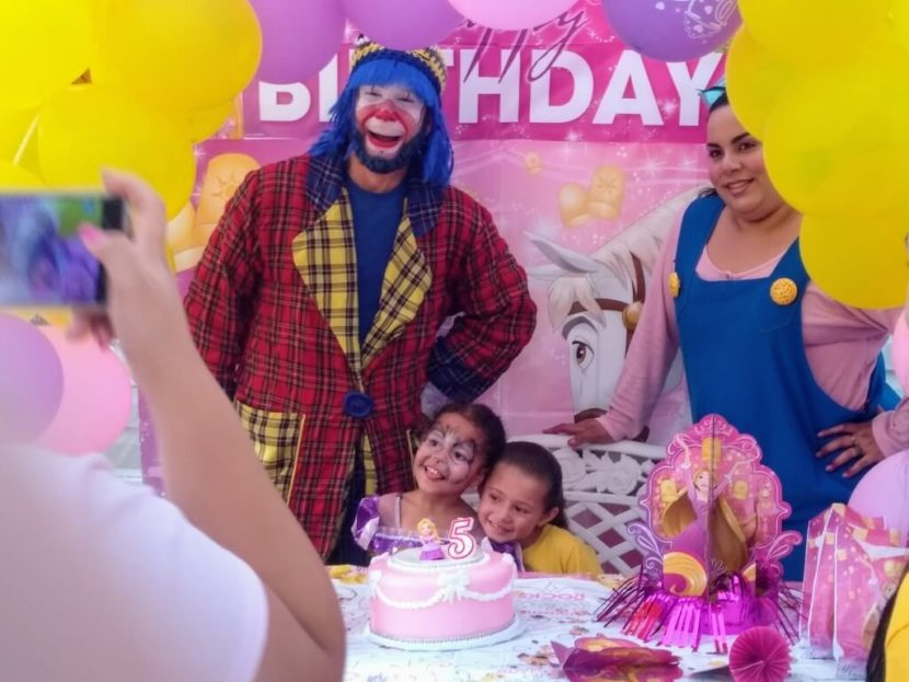 Muñequita Pompita y Payaso Pikorete en cumpleaños de Liann en Kissimmee Florida