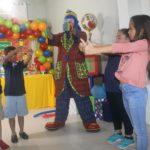 Payaso Pikorete Bailando con los niños Clermont Fl Muñequita Pompita Cumpleaños Lucas