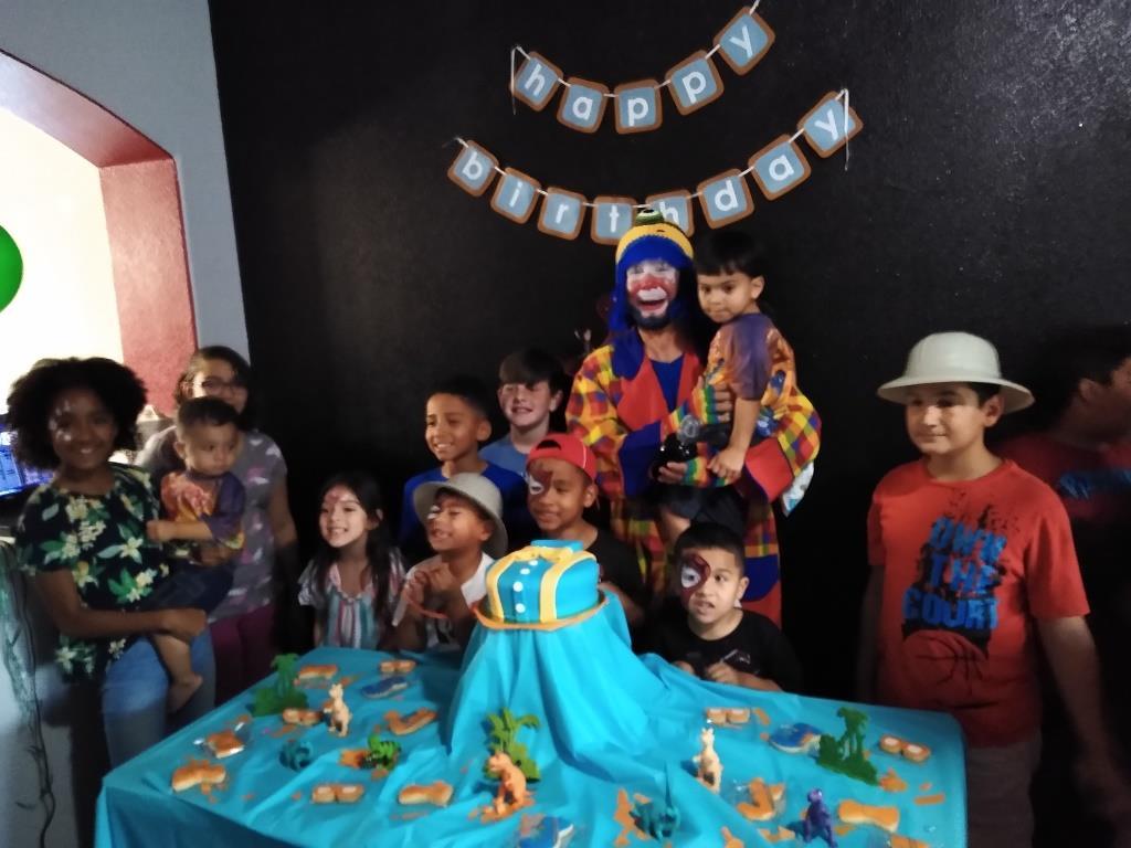 Payaso Pikorete Muñequita Pompita Cumpleaños Joey Killeen TX