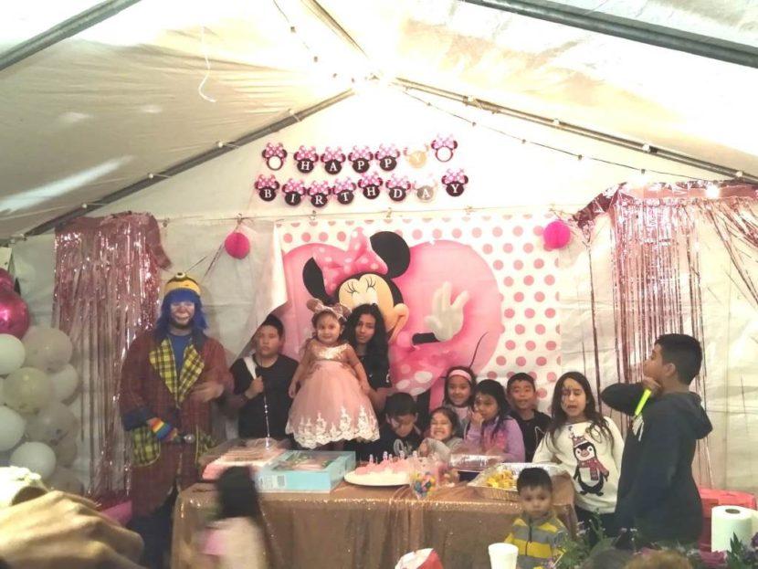 Payaso Pikorete Orlando Fl en Cumpleaños de Yasmin con Muñequita Pompita