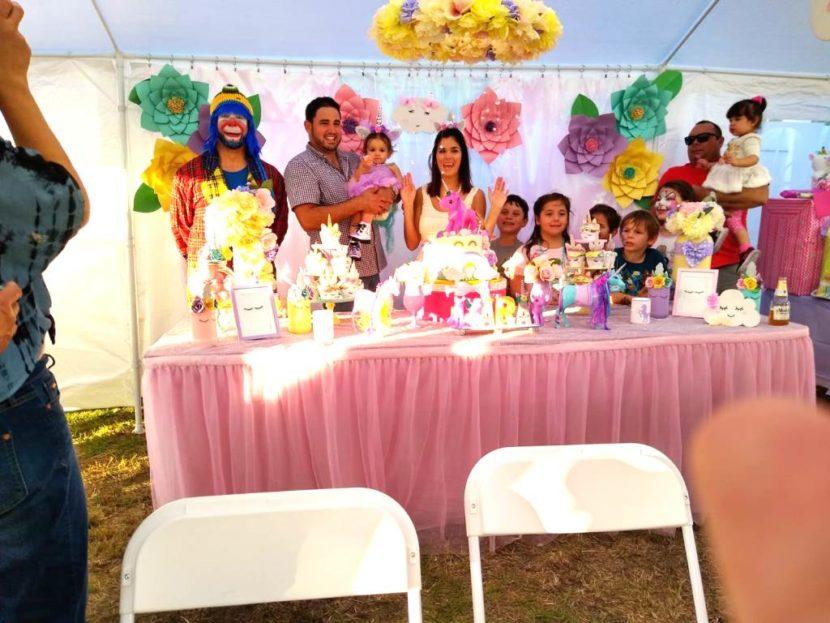 Payaso Pikorete en Leesburg Florida con la Muñequita Pompita en el cumpleaños de Yara