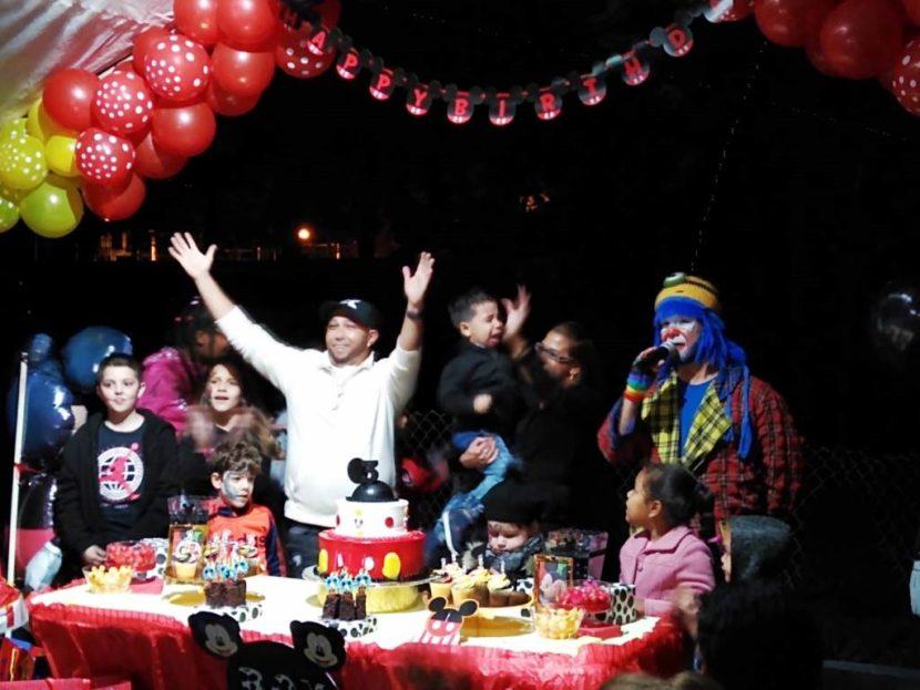 Payaso Pikorete en Orlando Fl en Cumpleaños de Roy Con Muñequita Pompita
