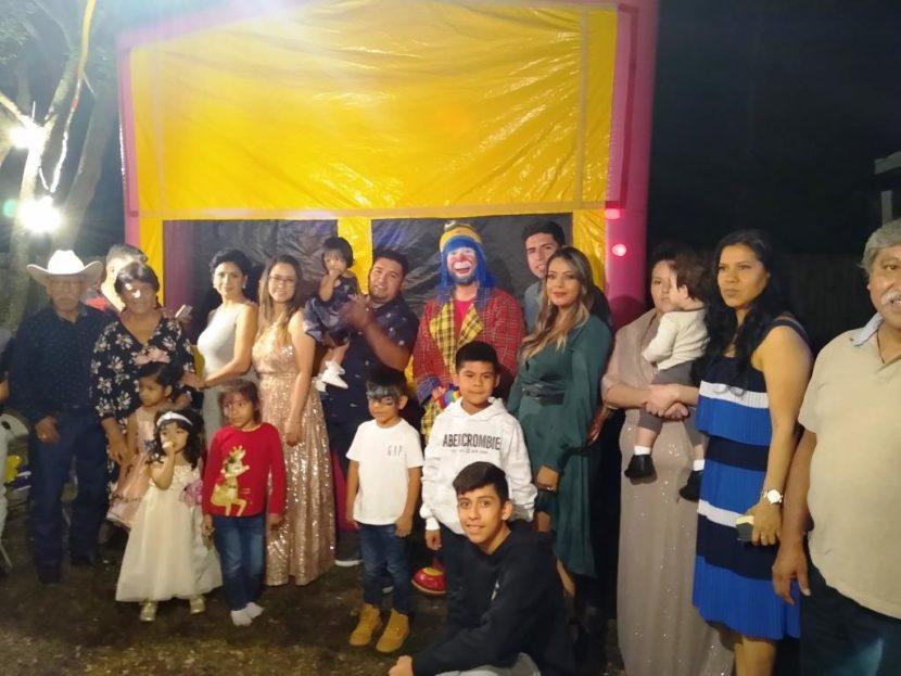 Muñequita Pompita y Payaso Pikorete Celebrando el Bautismo de Grecia en Orlando Fl